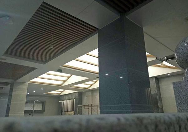 大型洗浴中心吊顶施工